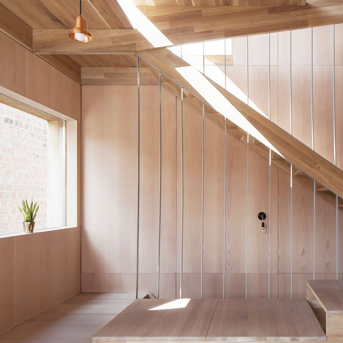 Work-Environment-Tweeperenboom-wooden-interior-stairs