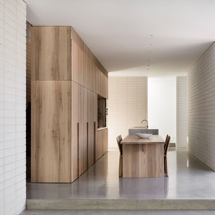 Edsall-Street-House-RITZ-GHOUGASSIAN-wood-interior