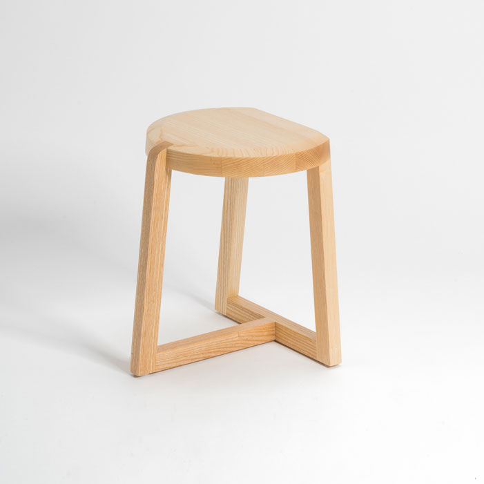 Oyster-Geckeler-Michels-stool-ash-wood-short
