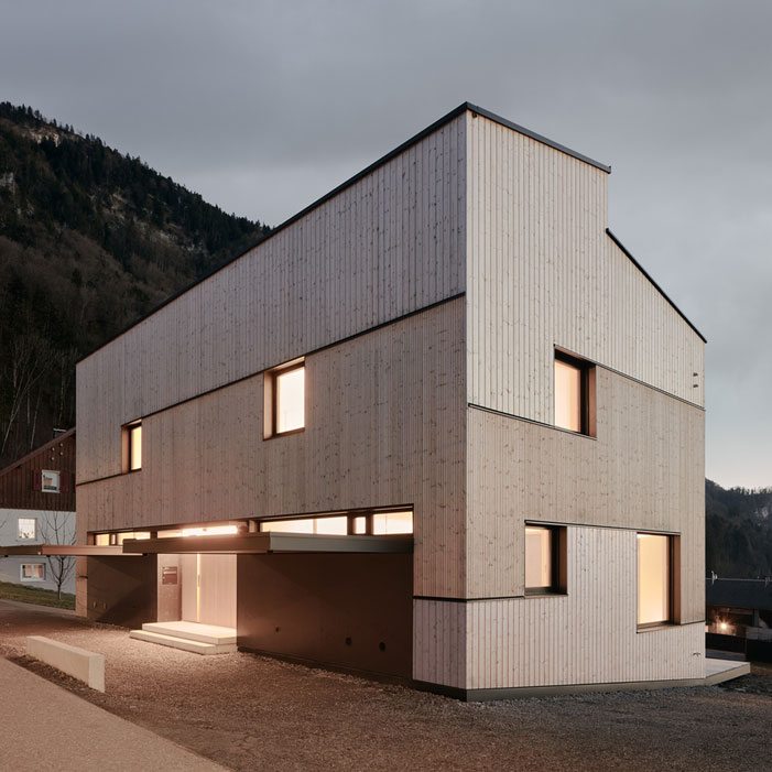 Semi-Detached-House-MWArchitekten-wooden-house