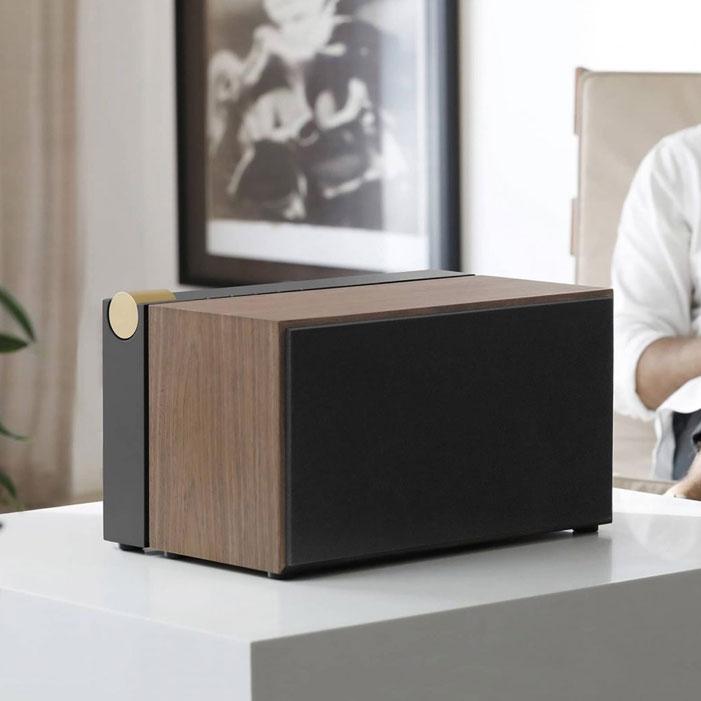 PR-01-wooden-speaker-entertainment-unit-modern